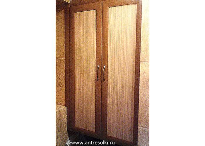 Сантехнический шкаф с наборной планкой (пример №19)