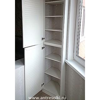 Антресольный шкаф на балкон фасад с наборной планкой (пример №38)