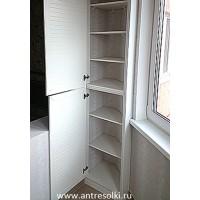 Антресольный шкаф на балкон фасад-жалюзи (пример №41)